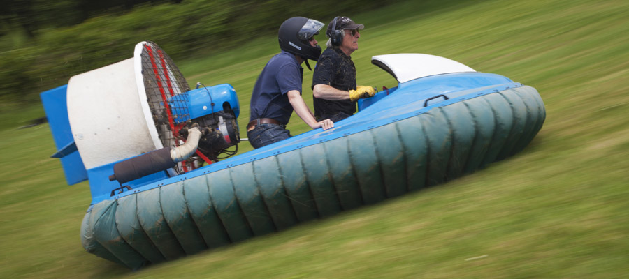 Hovercraft Driving Experience - ACF Team Building
